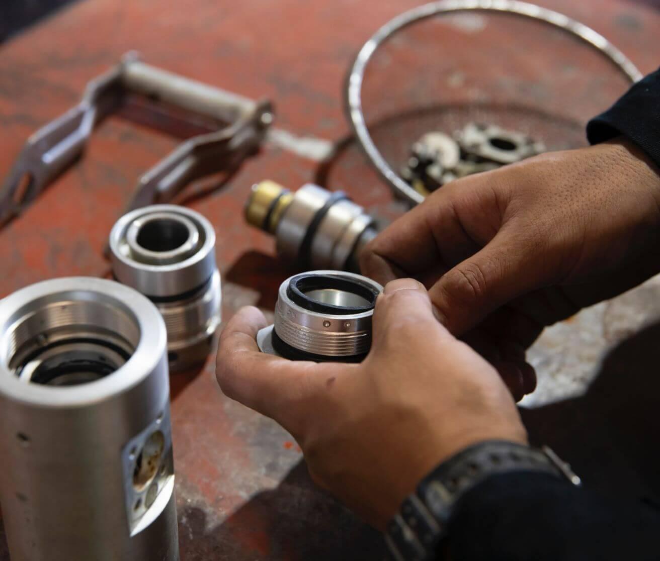 LPガス容器用バルブの再検査や民生用バルク貯槽の安全弁の再検査と取り換え工事